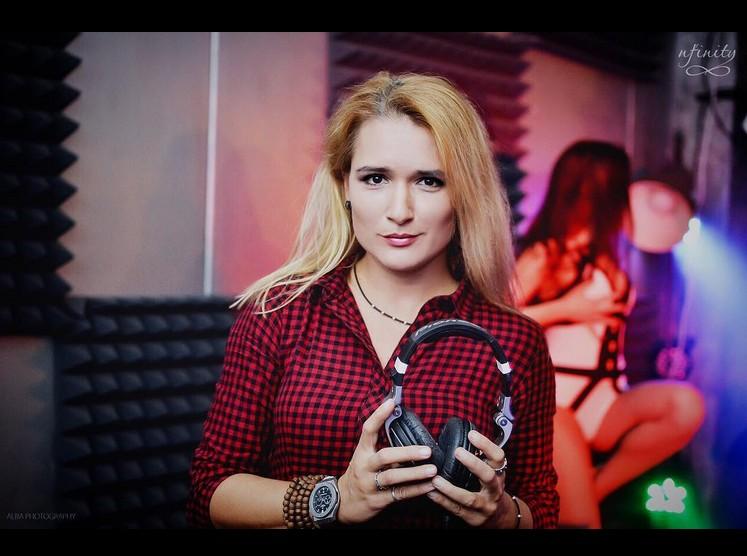 http://s3.uploads.ru/izBbl.jpg