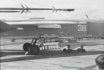 Х-58У - управляемая противорадиолокационная ракета PZj8K