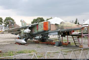 МиГ-23БН (32-23) - истребитель-бомбардировщик GtBhM