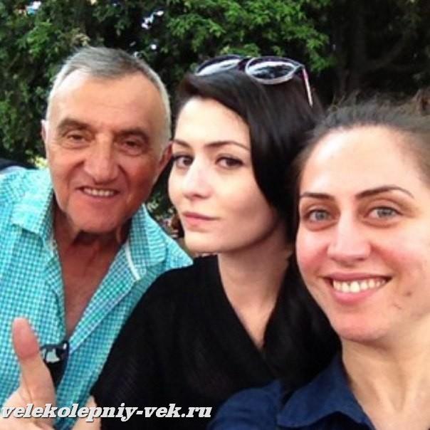 http://s3.uploads.ru/vaMgf.jpg